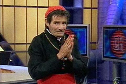 """MANOLO REYES más conocido por """"POZI"""", que falleció el pasado sábado. En la foto en una de sus actuaciones en Telecinco."""