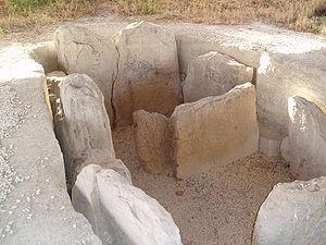 Dolmen de  Alberite. Foto Wikipedia