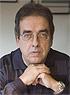 La pluma de Santiago González mira, ríe, sufre y protesta cuando pincha la realidad.
