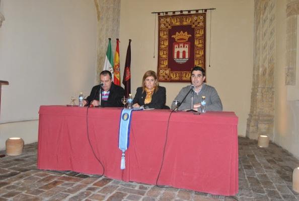 De izquierda a derecha Pedro Sevilla, pepa Caro y Domingo González. Foto: Jose Maria Perez Gomez. PIA