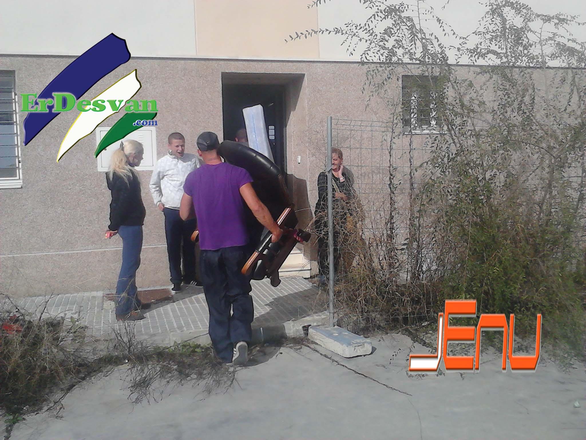 Villamartin ocupan 14 viviendas de la caixa erdesvan - Casas embargadas la caixa ...