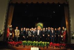 Autoridades y ciudadanos en el Teatro Olivares Beas, en Arcos de la Frontera (Cadiz). Colectivos de trabajadores municipales revientan el acto de la CONSTITUCIÓN.