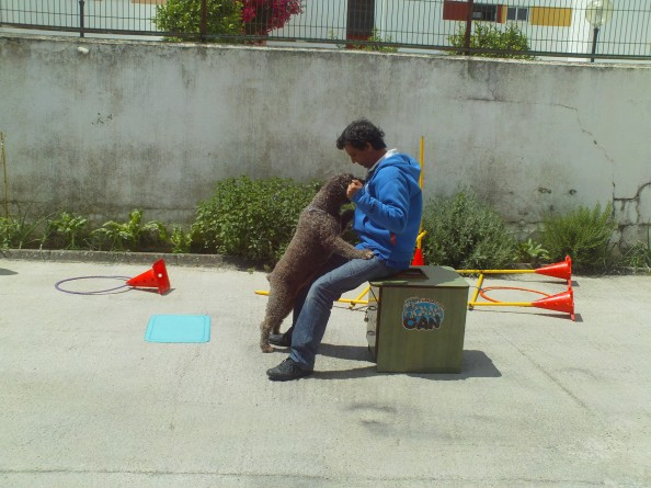 "Juan con la perrita ""Chula"". Foto Jenu"